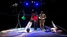 """Le clownerie di """"Godot"""" al Libero  con due campioni di buffa umanità"""