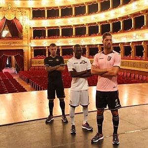 """Palermo, lettera aperta dei tifosi a Baccaglini: """"Presidente faccia giocare la squadra con la maglia nera"""""""