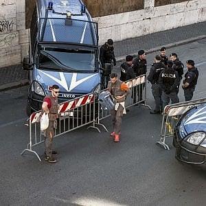 Pasqua blindata in Sicilia, forze speciali davanti agli obiettivi sensibili