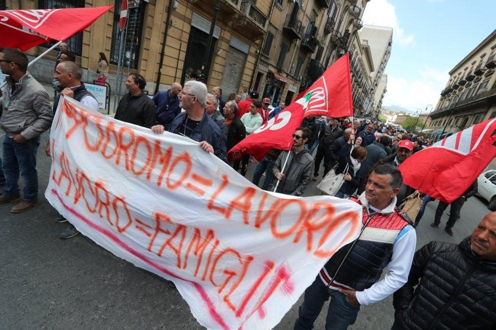 Palermo: il corteo dei lavoratori dell'ippodromo