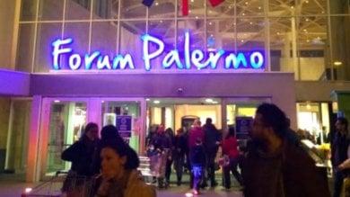 """Al Forum aprono nuovi negozi, i sindacati: """"Ma 20 dipendenti rimangono senza lavoro"""""""