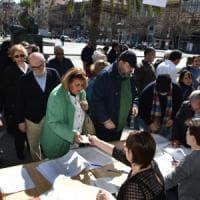 Palermo, primarie Pd: code ai seggi da piazza Politeama a piazza Europa