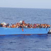 Quasi tremila migranti salvati nel Canale di Sicilia, sulla nave di soccorso nasce una...