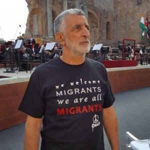 """Crocetta senza lady, Accorinti in t-shirt la Sicilia """"alternativa"""" accanto ai Grandi"""