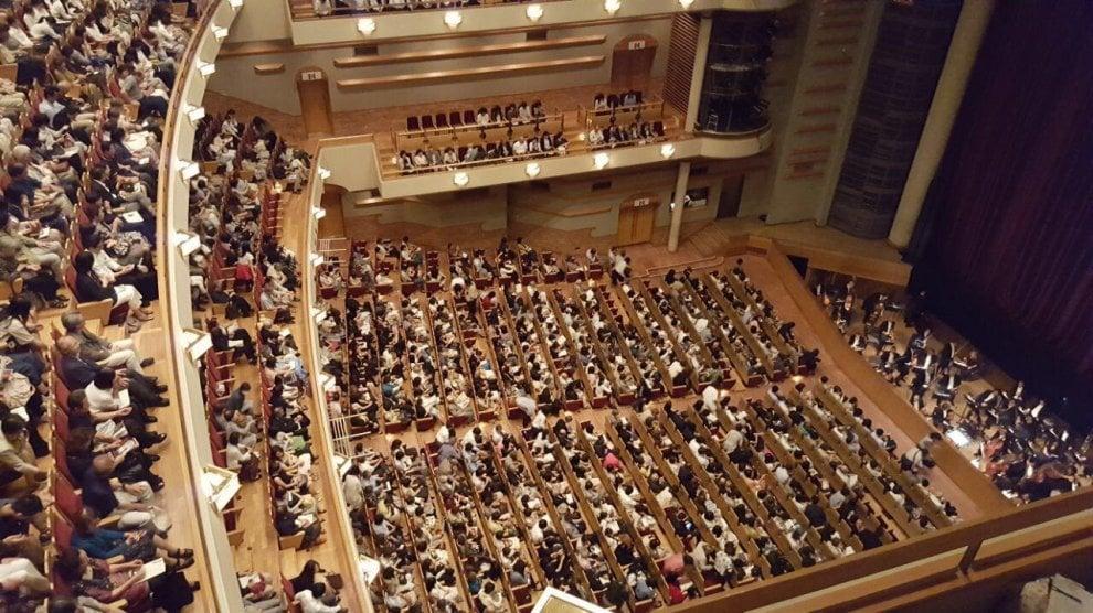 """Dodici minuti di applausi per """"Traviata"""" in Giappone"""