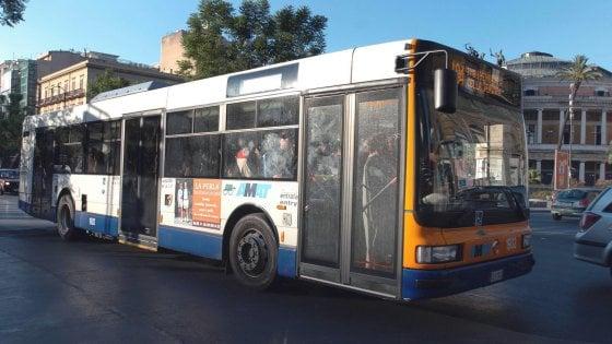 Palermo: lite per precedenza, motociclista picchia autista Amat
