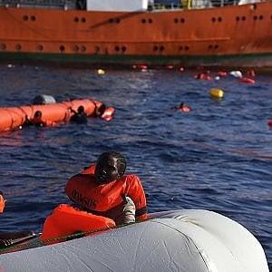 Migranti, tre naufragi in ventiquattro ore