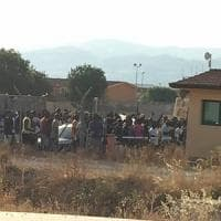 Catania, protesta al Cara di Mineo: bloccata la strada statale