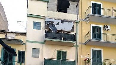 Palermo: crolla un balcone paura in via Roccazzo