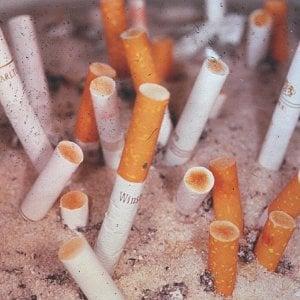 In ufficio con i fumatori, stroncata dal cancro. Regione condannata