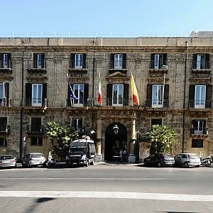 La Sicilia terra della sfiducia, astensionismo al 55 per cento