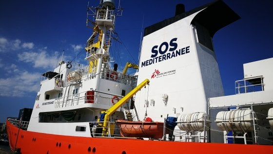 """Migranti, Sos Mediterranée: """"Non siamo un taxi, caso mai un'ambulanza del mare"""""""