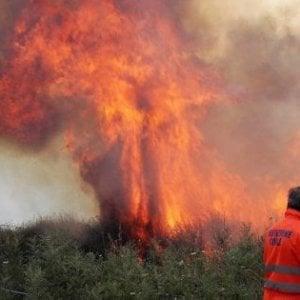 Palermo, allarme incendi: roghi a Partinico, Bagheria, Carini e Misilmeri