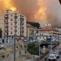 Messina minacciata dagli incendi, le foto sui social