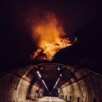 Incendi, a Messina ripartono i focolai. Foti: