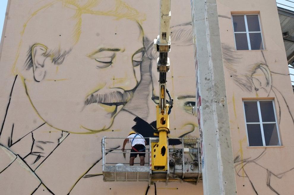 Palermo: alla Cala il murales di Falcone e Borsellino firmato da due street artist