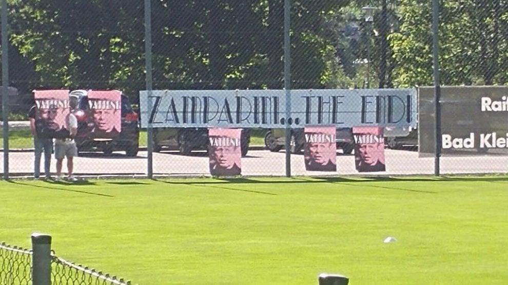 La contestazione contro Zamparini arriva nel ritiro austriaco