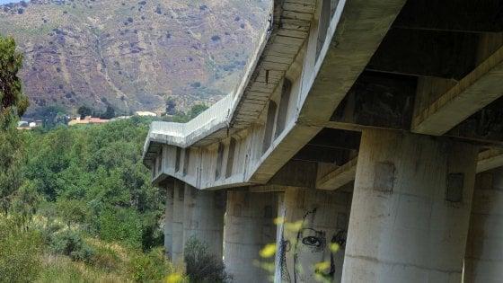 Crollo del viadotto sulla Palermo-Catania, ci sono 5 indagati