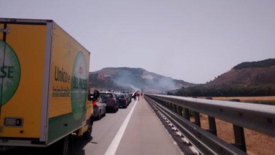 Un nuovo incendio minaccia la Riserva dello Zingaro