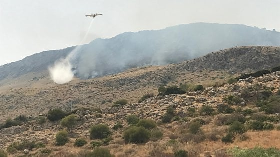"""Domani riapre la riserva dello Zingaro, sugli incendi Crocetta attacca il governo: """"Lasciati soli"""""""