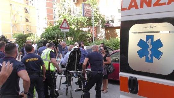 Paura in via Boito a Palermo, appartamento a fuoco: salvato un anziano