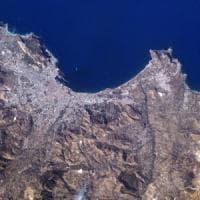 Palermo vista dallo spazio nella foto di