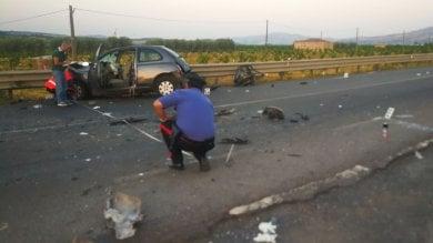 Catania-Gela incidente stradale  muoiono donna incinta e il suo compagno