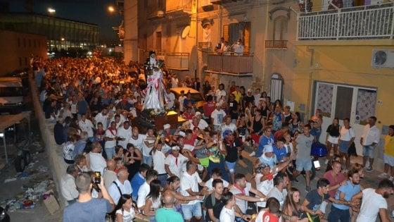 Porto Empedocle, alla festa del santo nero la chiesa dice no alla manifestazione anti migranti
