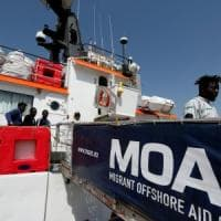 Migranti: Moas sospende i soccorsi nel Mediterraneo