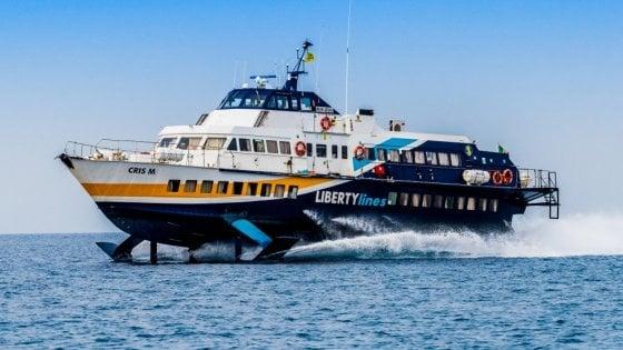 """Aliscafo sugli scogli a Lipari, tre feriti. Il racconto dei passeggeri: """"Tanta paura"""""""