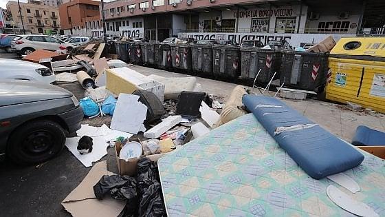 Palermo, subito pulizia straordinaria della città: la promessa del sindaco dopo la seduta di giunta