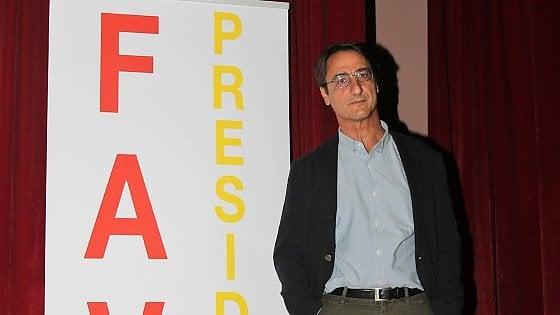 D'Alema dà (indirettamente) dell'idiota a Renzi