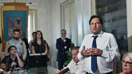Elezioni, il governo Crocetta aumenta lo stipendio dei forestali: 80 euro in più al mese