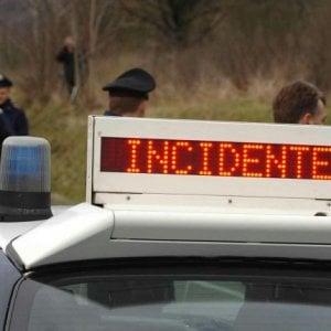 Misilmeri: camion travolge tre auto, sei feriti