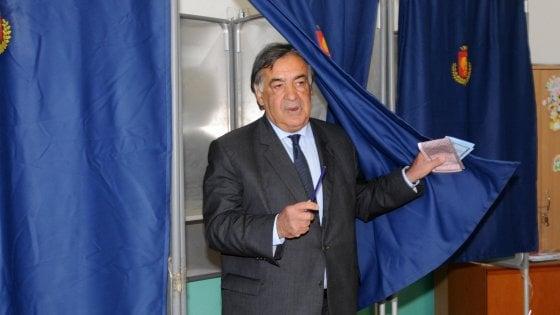 Rubate mille cabine elettorali da un deposito comunale: 3 indagati