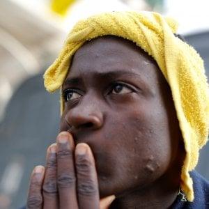 Messina, riprendono gli sbarchi. Anche tre bambini fra i 132 migranti salvati
