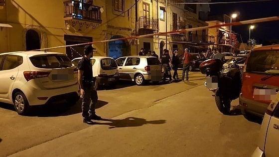 Uomo ucciso a coltellate in vicolo Pipitone a Palermo