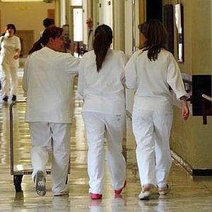 Vittoria, rubavano farmaci dall'ospedale: arrestate due infermiere