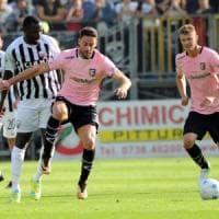 Serie B: ad Ascoli terzo pari in tre trasferte per il Palermo