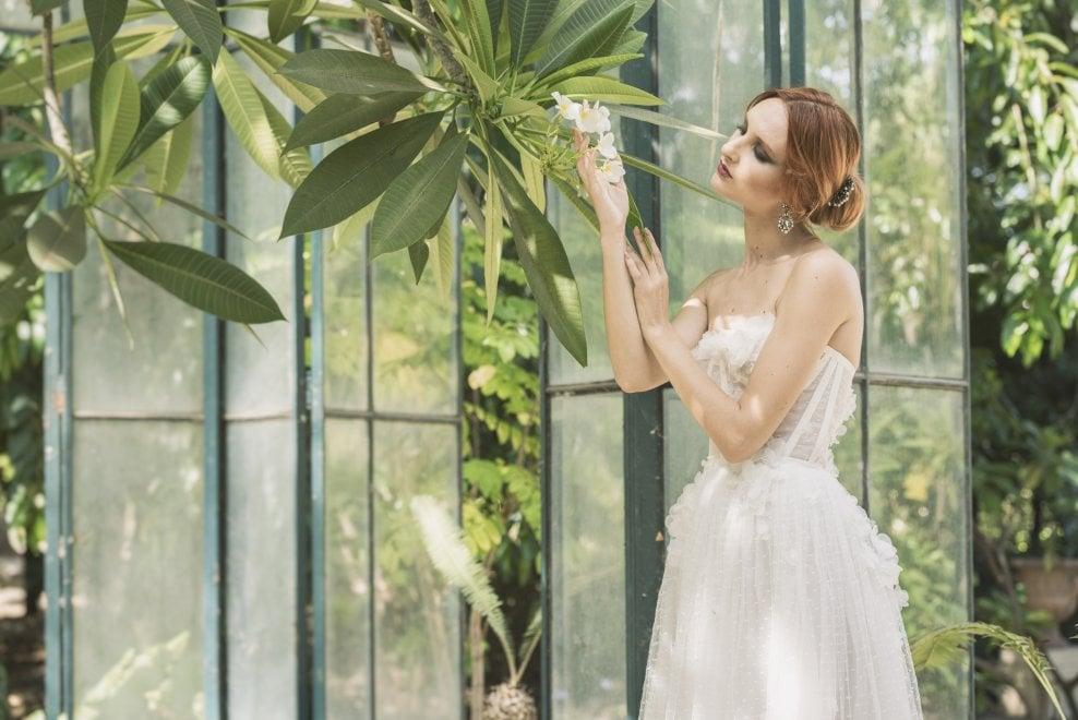 Moda, la collezione di abiti da sposa ispirati alla pomelia