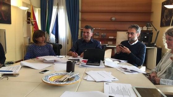Sicilia. Taglio delle tasse e più fondi per regionali e forestali, ecco la manovra di bilancio