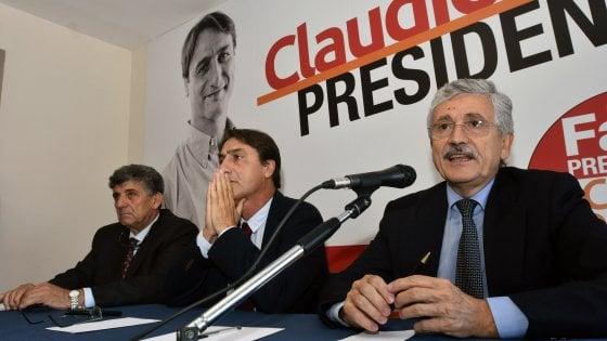 """Regionali in Sicilia, D'Alema: """"Renzi dice che sono un fatto locale? Non è una persona seria"""""""