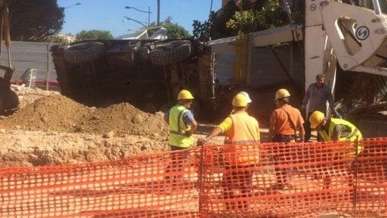 Palermo, anello ferroviario: operaio cade da trivella, è grave