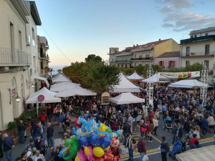 A zafferana etnea il terzo weekend dell 39 ottobrata 1 di 1 for Di mauro arredi zafferana