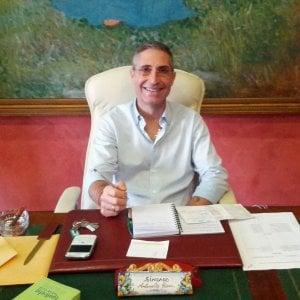 Regionali sicilia si dimette il sindaco di priolo di for Priolo arredamenti torino
