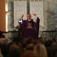 Palermo, è abusiva la chiesa di padre Minutella, il parroco che contesta