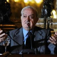 Palermo, paura per Emanuele Macaluso: si sente male al convegno su Pio La