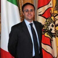 Regionali Sicilia, gaffe di Figuccia sulle nozze di Micari e i fiori funebri: