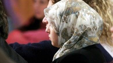 Promessa sposa a 14 anni fugge dalla famiglia.