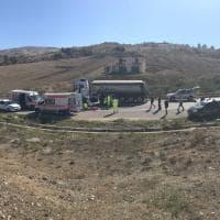 Auto contro camion sulla Palermo-Agrigento, un morto e un ferito